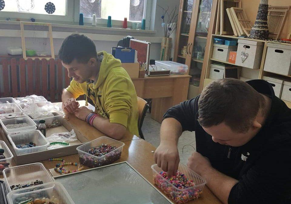 Warsztaty tworzenia biżuterii w SPdP